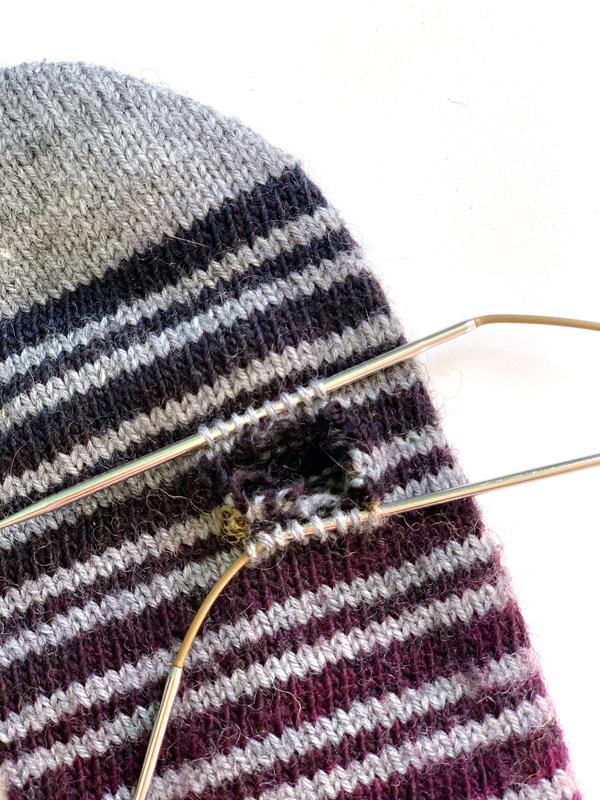 Socken stopfen sock mending handknit socks