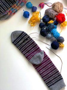 handgestrickte Wollsocken stopfen Wolle Socken stricken flicken