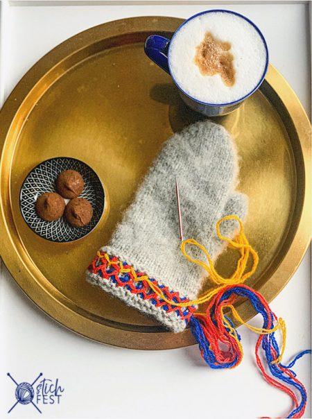 Filzfäustlinge im schwedisch samischen Lovikka Stil, gestrickt aus SandnesGarn Fritidsgarn, reine Schurwolle aus Norwegen